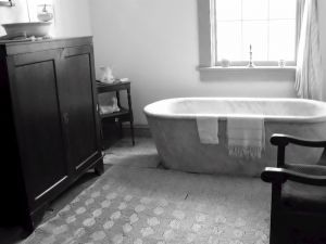 vintage-bathroom-127397-m