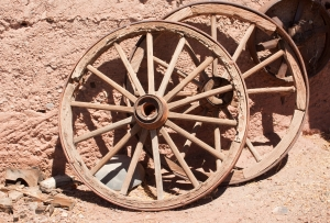 wagon-wheels-1317565-m