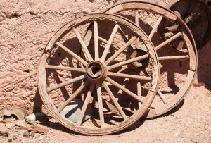 wagon-wheels-1317565-m